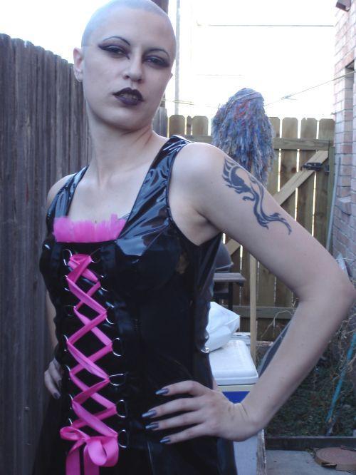 Female model photo shoot of safiraangel