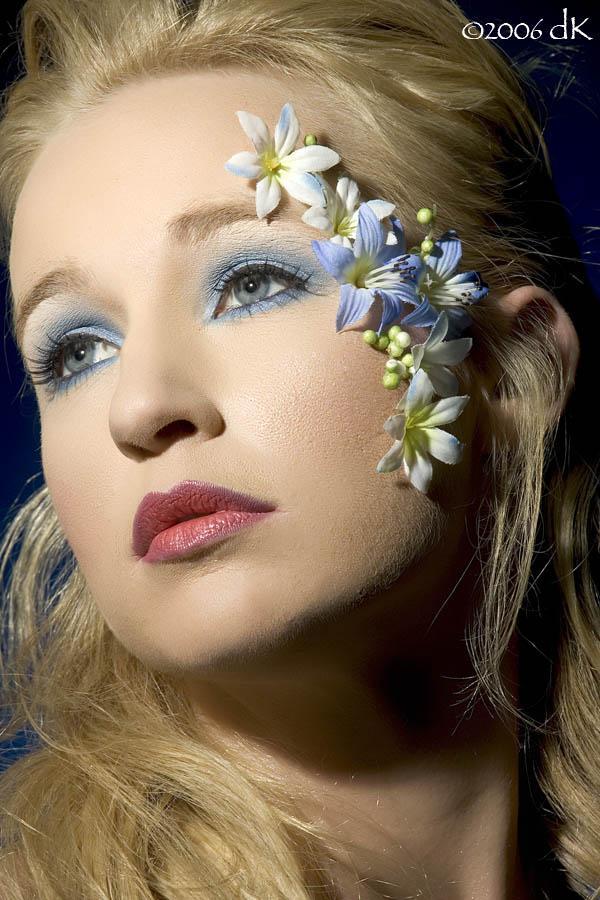 dK studio Jan 16, 2006 ©2006 dK Blue Zone / Model = Amber Cristine / photo = dK