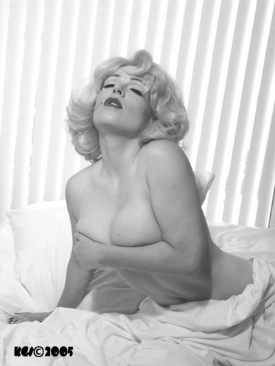 Tampa, Florida Jan 24, 2006 Tom Eitnier/KoolGirlieStuff Copyright 2005 all rights reserved My Marilyn ~ Model: Audrey Van Dommeln Clearwater, Florida (A photo tribute to the legendary film goddess and 1950`s sex icon Marilyn Monroe)