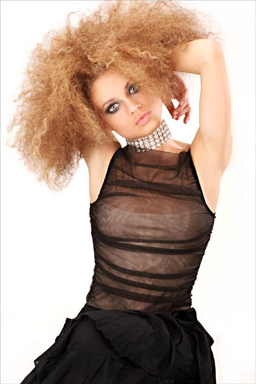 Feb 01, 2006 MUA & Hair Sharai; Styling Bren; Photog Kent Squires