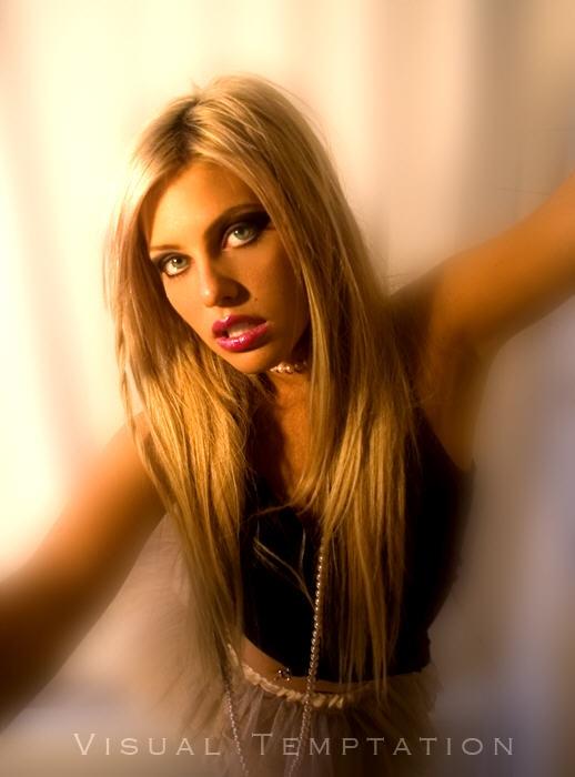 Female model photo shoot of Christen Carnevalla