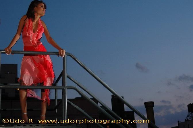 http://photos.modelmayhem.com/photos/060507/18/445e86a81b098.jpg