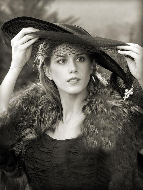 May 20, 2006 Dmitry Popov Lady in black