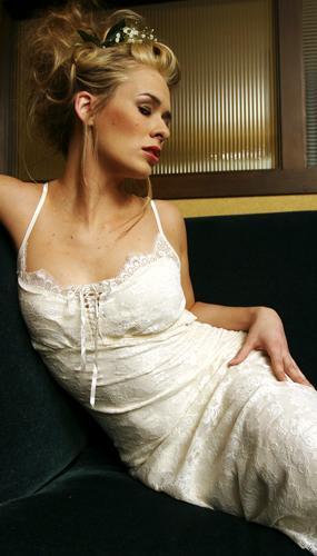 Chicago, IL Jun 09, 2006 Philip Jones Haute Couture Bride