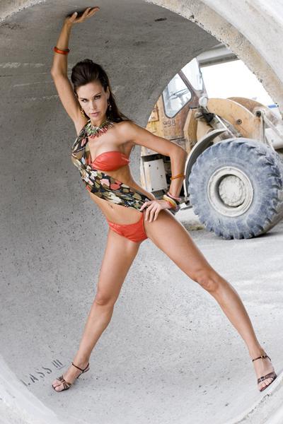 Jul 02, 2006 Angelina Corona Swimsuit