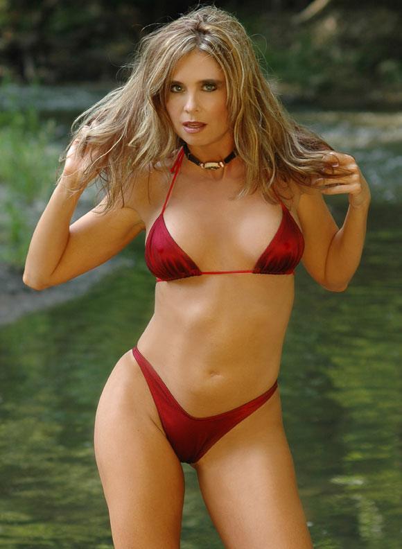 Jul 11, 2006 John Lahtrop/Natalie Lynn Save Me From the Alligators...lol!!