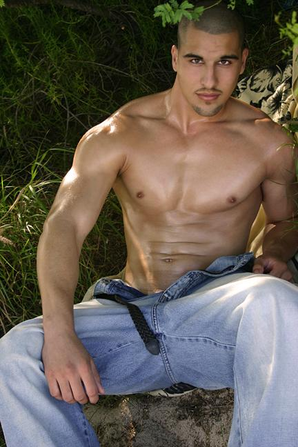 Jul 25, 2006 Photo:  Arnold D. Flores; Model:  Paul Brumble