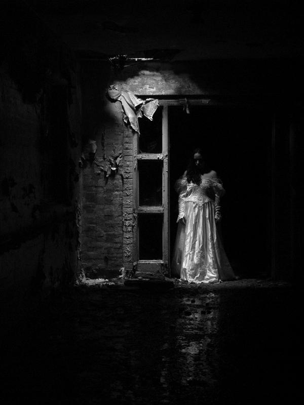 Aug 03, 2006 ©2006 Bob Rafferty Dark bride