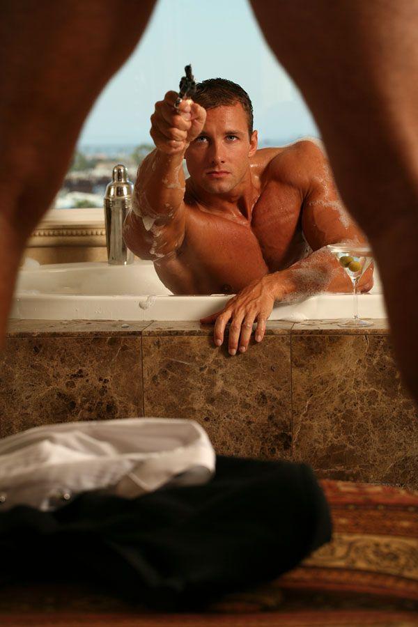 Newport Beach Aug 11, 2006 Tom Cullis 007 always ready !!!