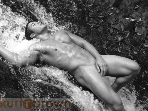 Oahu, Hawaii Aug 19, 2006 www.KurtRBrown.com Photo:  Kurt R. Brown; Model:  Kainoa Rudolfo