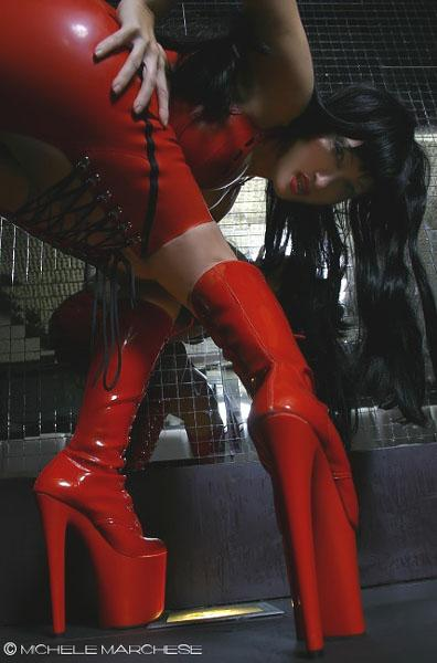 Italy Sep 01, 2006 Michele Marchese Rubberstar fetish model and live performer