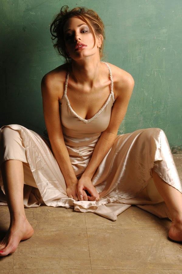 Sep 08, 2006 disheveled elegance