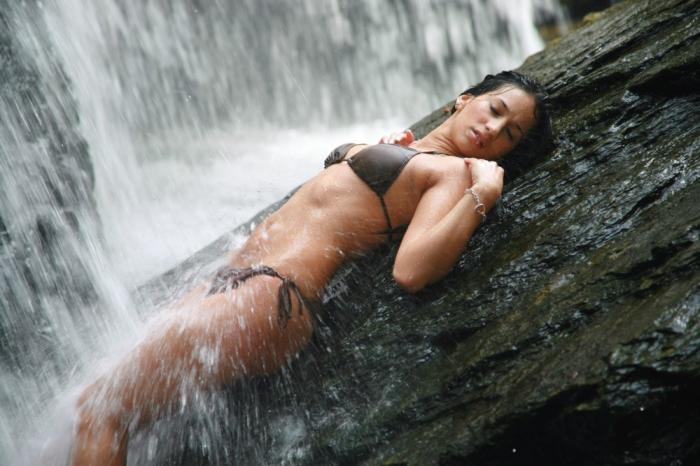 Female model photo shoot of Angela Velez in Rock State Park