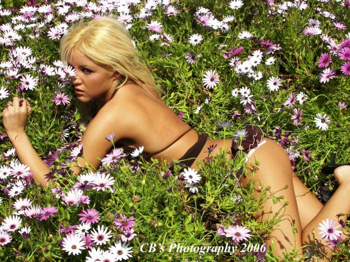 Inland Empire California Sep 15, 2006 © CBs Photography 2006 Jeska & Flowers