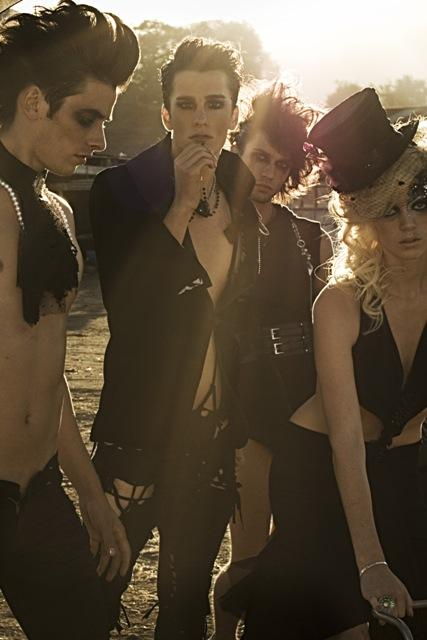 Male model photo shoot of Andrew Brett