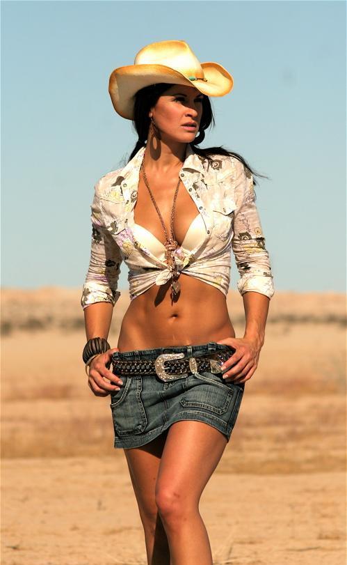 Female model photo shoot of Eva Derrek by S_D in el centro