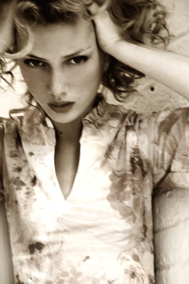 BKLYN Oct 03, 2006 Cathrine Westergaard Anna Iaryn - New York Model Managment