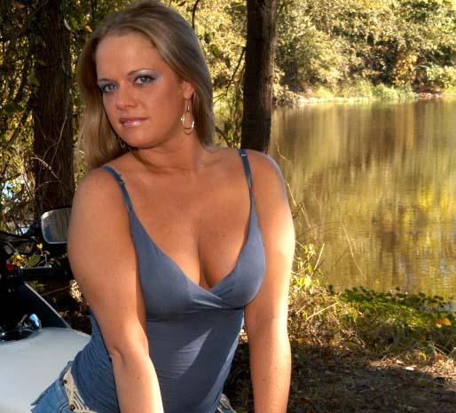 Female model photo shoot of Nylah in Memphis, TN