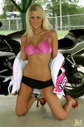 Naomi seattle stripper