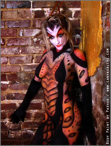 Atlanta, GA Oct 31, 2006 Charles Ledbetter, Captured Light Studios BombSheDevil as a scorpian!