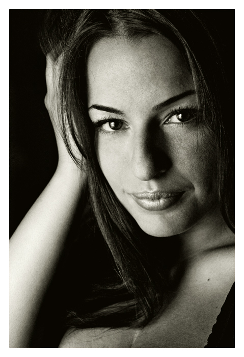 Female model photo shoot of Lisa Marie by K Leo