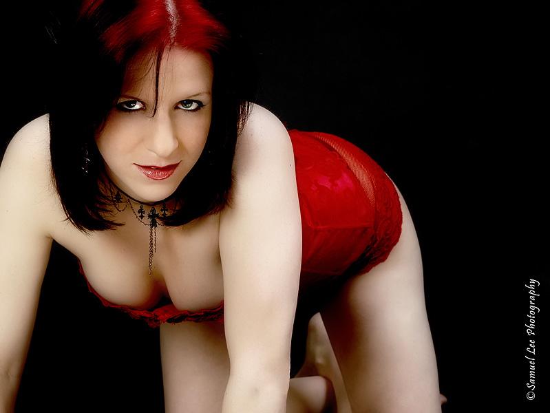 Female model photo shoot of Linnae6 by Samuel Lee Photography