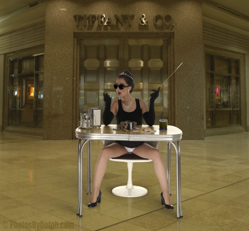 Tiffany and Co., Phipps Plaza, Atlanta, GA Dec 13, 2006 © timothy dolph Breakfast - Model: Chelsie Ann    ©timothy dolph