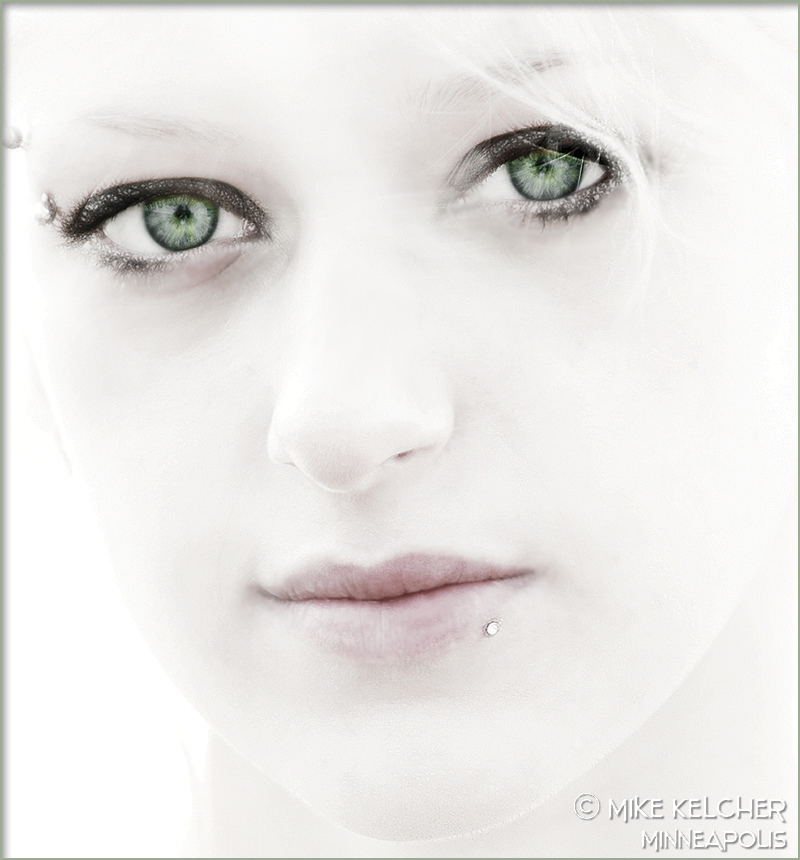 http://photos.modelmayhem.com/photos/061214/02/4580f9f432510.jpg