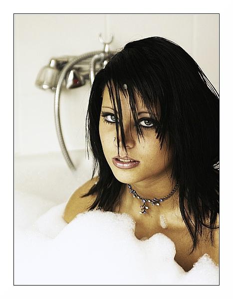 indoor - bathroom, germany Dec 31, 2006 nine2ten.com bath