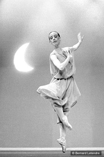Jan 17, 2007 © Bernard Letendre Myriam and the Moon