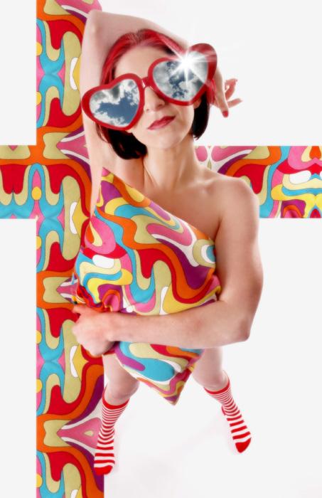 Female model photo shoot of Linnae6 by Tom Holoubek