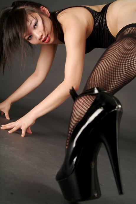 Female model photo shoot of Yumi-U by Michael Andrews in Mtl