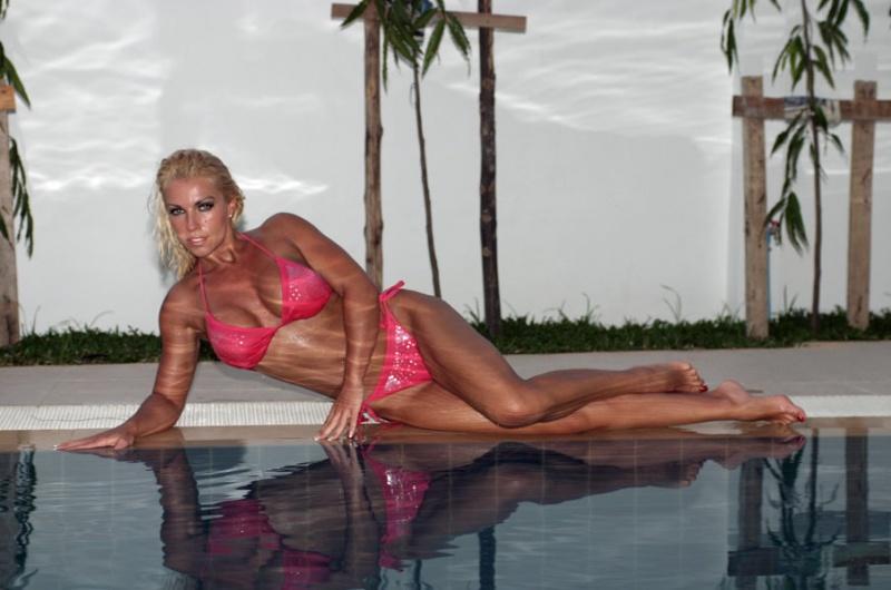 Mar 04, 2007 L.Henshaw bikini