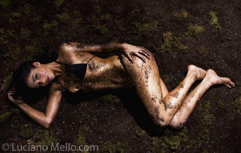 deserticestudios.com Mar 06, 2007 © Luciano Mello Glizia on Dirty Make up by Stephanie Kovacs