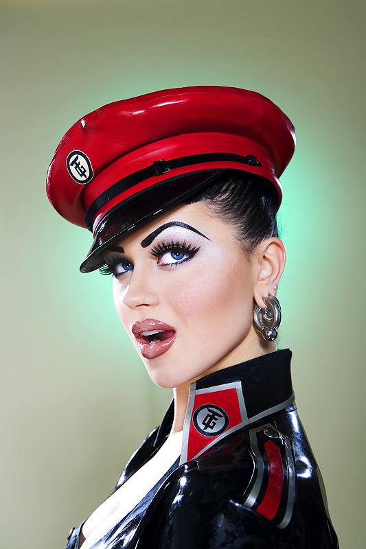 Mar 24, 2007 Emma Wilcox Viktoria / Makeup:JC