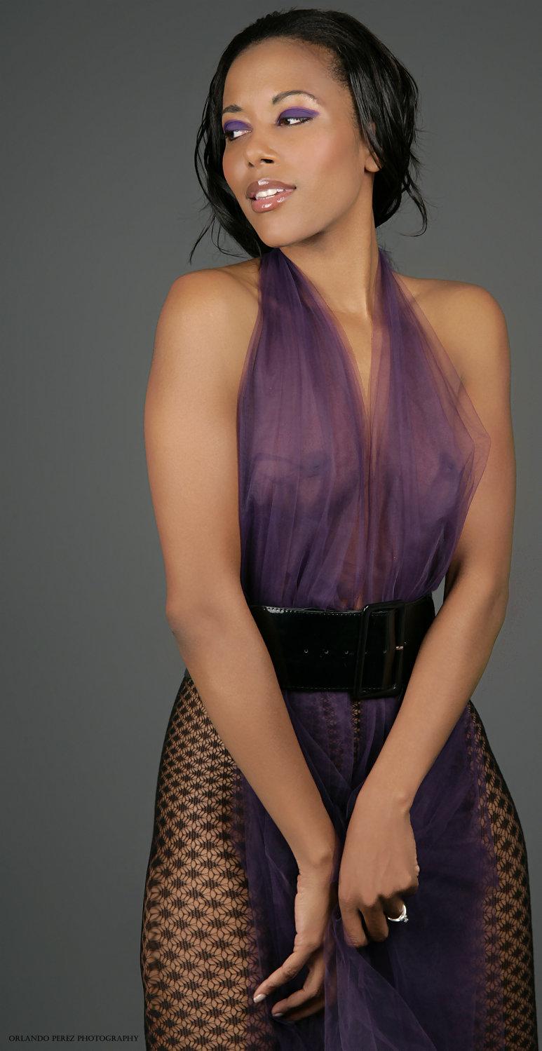 Mar 24, 2007 Orlando Perez Makeup: Alma Adamson~~Hair/Styling: Nikki Love