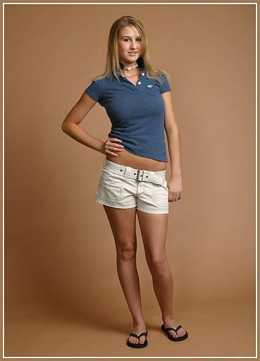 Female model photo shoot of Jamie Green