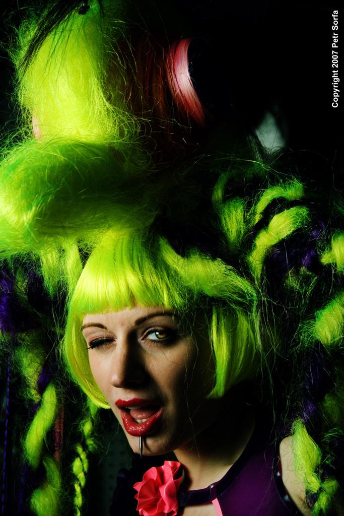 Portland, OR Mar 28, 2007 Copyright 2007 Petr Sorfa Wig shoot with Darenzia for Lana Guerra