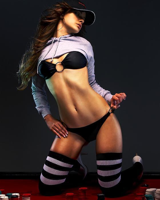 Female model photo shoot of Izabella Steele in www.bodognation.com
