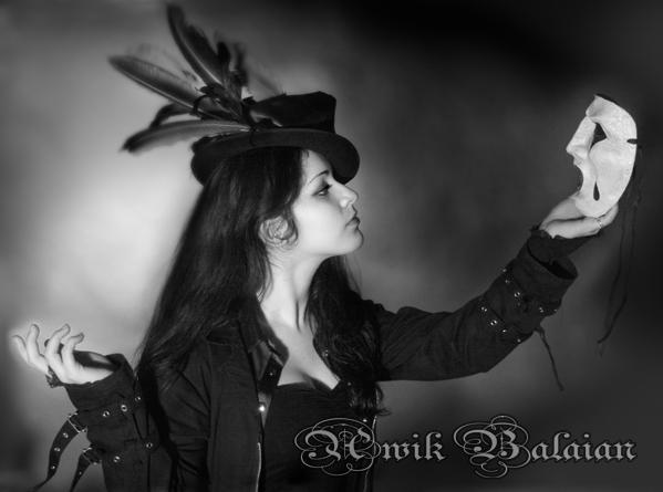 Apr 13, 2007 copyright@awikbalaian Asmodea with mask