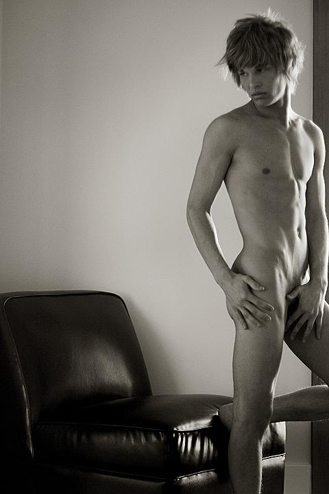 Apr 15, 2007 Joe Mozdzen As artistic as im willing to go, NO NUDES!(full frontal that is)