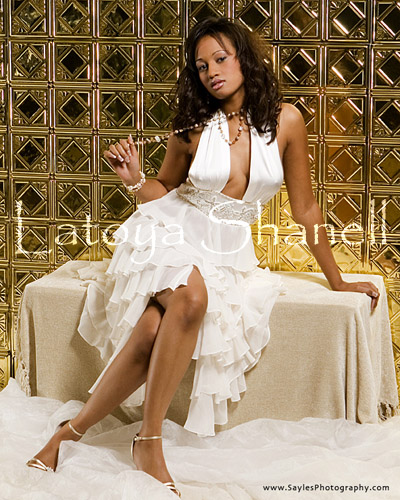 Female model photo shoot of Latoya Shanell