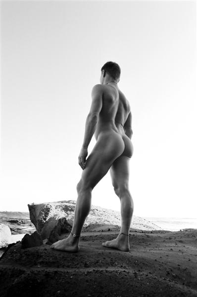 Birdie Beach Apr 24, 2007 Brendon Fehre Shane on a rock