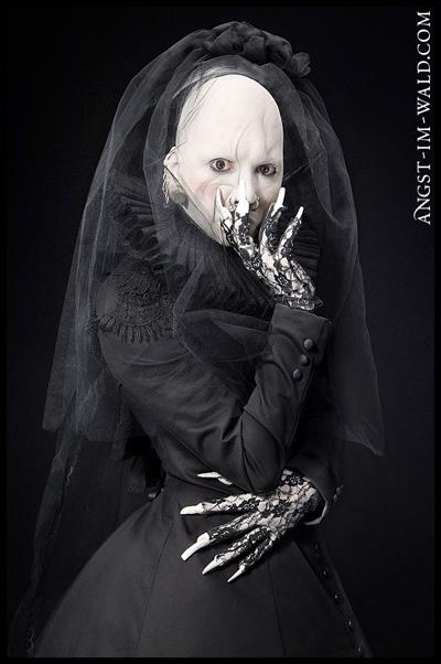 May 08, 2007 angst-im-wald Ensemble for Anna Varney (Sopor Aeternus)