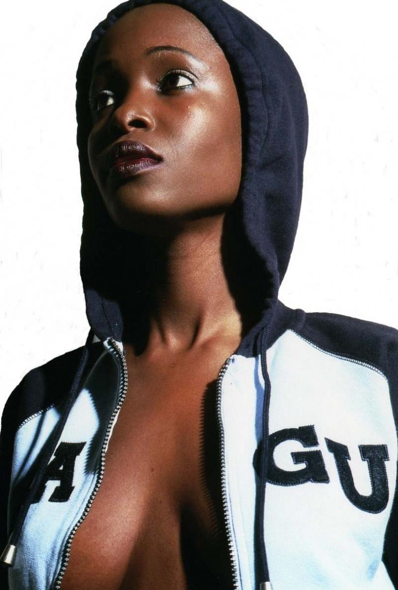 London May 16, 2007 Carlos Elysee Photography Cindy @Shades Of Ebony