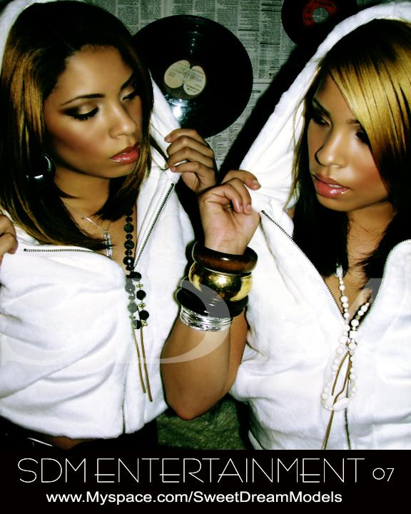 Jun 01, 2007 Christina Golden Twins.... I am the one on the right