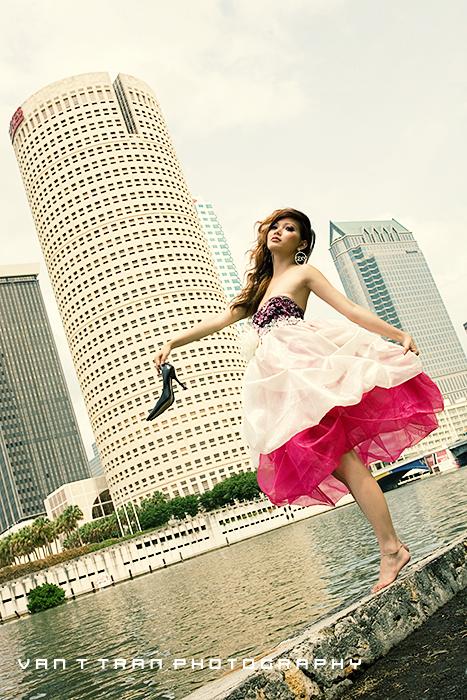 Downtown Tampa, FL Jun 06, 2007 Van T Tran Barbie in the city =)