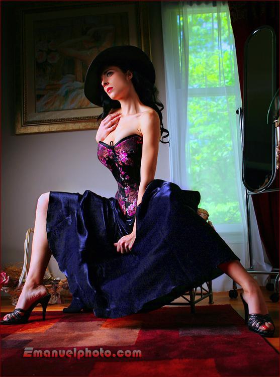 http://photos.modelmayhem.com/photos/070607/23/4668c998a90e1.jpg