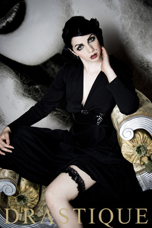 Jun 16, 2007 by Drastique and Silke Hartkopf. Make-up Sesso.