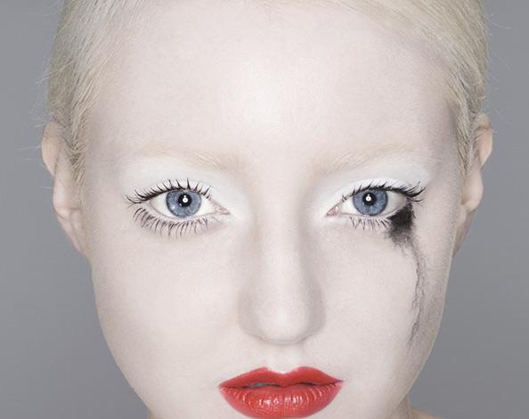Jun 23, 2007 Richard Harvey Photography, retouching by retouchme Damaged Beauty story for www.fashion156.com